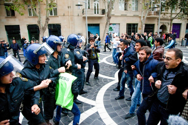 Clashes between Azerbaijani police  and opposition activists in Baku. (Photo Credit: Aziz Karimov)
